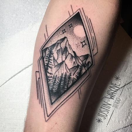 Justin Wayne - blackwork mountain