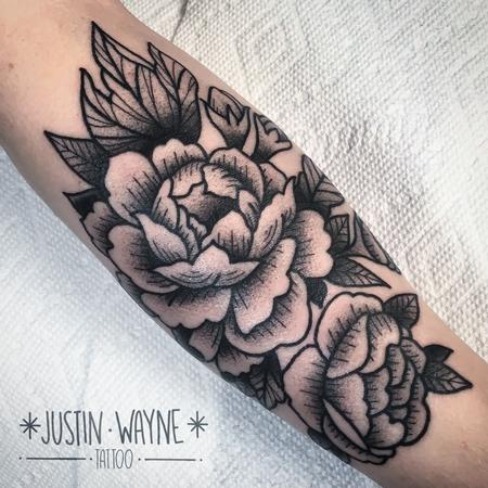 Justin Wayne - blackwork peonies tattoo