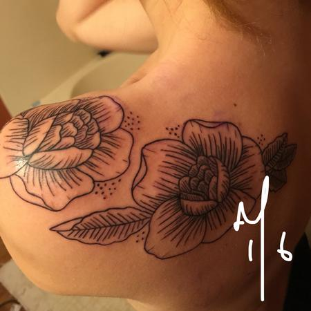 Tattoos - Lined Roses - 116802