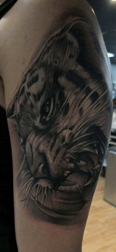 Mike Demasi - Black and gray tiger Portrait tattoo Mike DeMasi