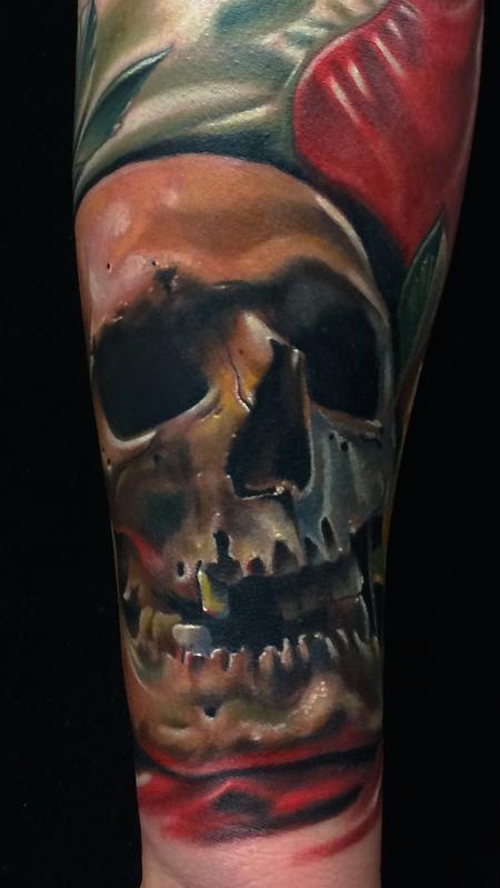 Brent Olson - Realistic color skull wth american flag tattoo. Brent Olson Art Junkies Tattoo