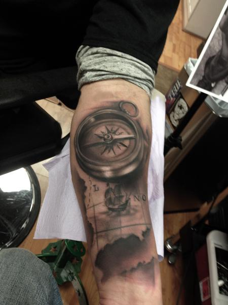 Art junkies tattoo studio tattoos ryan mullins black and ryan mullins black and grey map and compass gumiabroncs