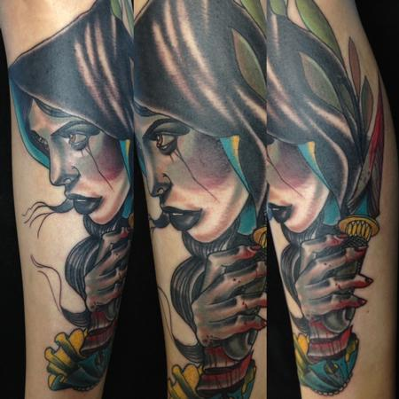 Gary Dunn - traditional color portrait of girl with dagger tattoo, Gary Dunn Art Junkies tattoos