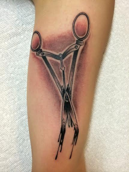 Frichard Adams - Traditional black and gray surgical scissors tattoo. Richard Adams Art Junkies Tattoo