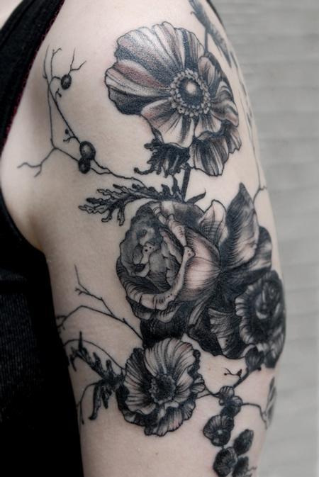 Aubrey Mennella - poppy blackworks vintage floral tattoo