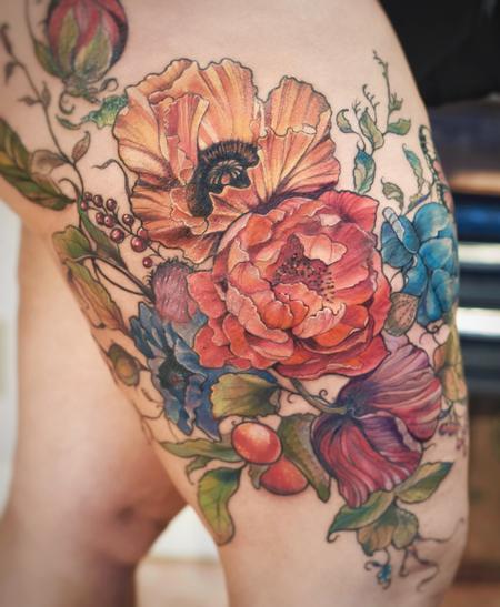 Aubrey Mennella - poppy peony floral leg tattoo