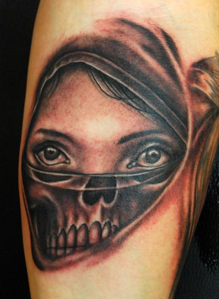 George Muecke - Woman and Skull Tattoo