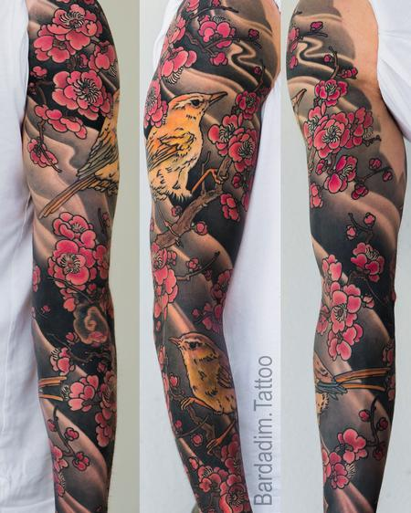 Japanese Bush Warbler and Plum Blossoms Sleeve Design Thumbnail
