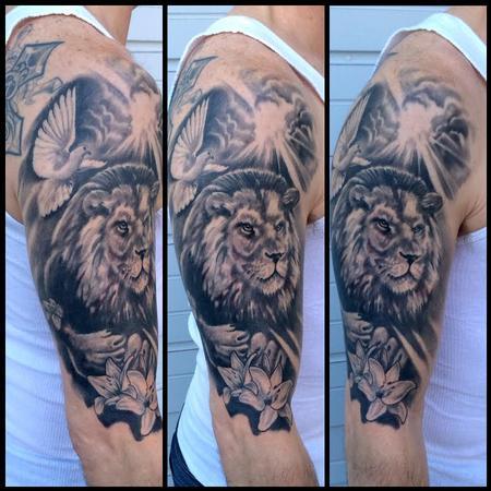 Brandon Heffron - Lion half sleeve