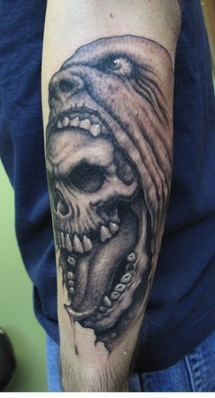 Tattoos - Skull-in-mouth - 45672