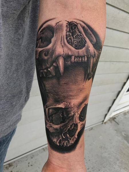 Bob Tyrrell - Skulls Tattoo