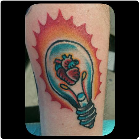 Tattoos - Heart light bulb - 125378