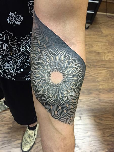 Tattoos - Geometric Circle Tattoo - 112119