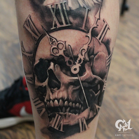 Capone - Skull and Time Tattoo