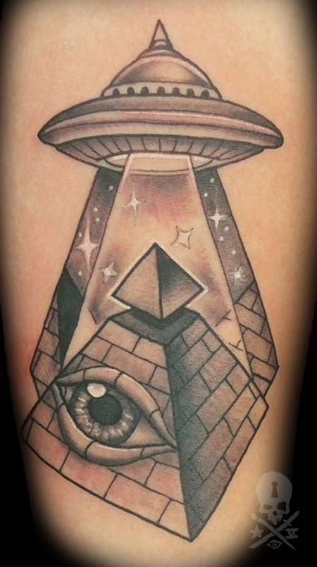 Matt Folse  - Eye of Providence UFO