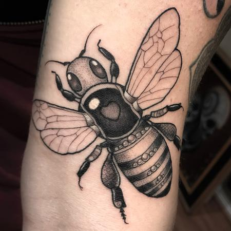 Tattoos - BLACK AND GREY BEEJEWELED BEE - 132338