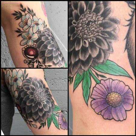 Dahlia flower with Illustrated flowers Design Thumbnail