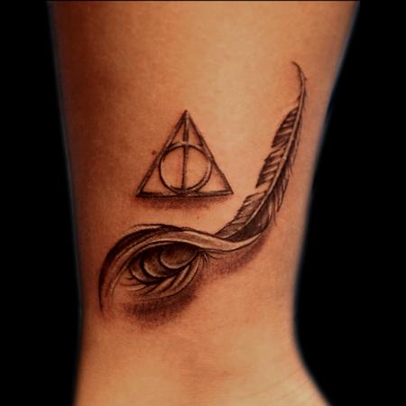 Tattoos - Feather Deathly Hallows - 93608
