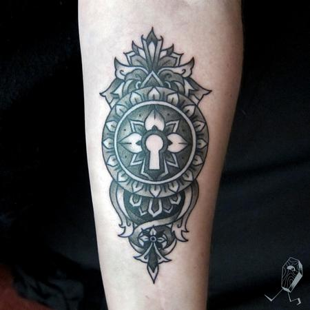 Tattoos - Ornamental Keyhole - 123364