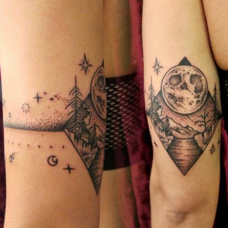 Skull Moon Armband Tattoo Design Thumbnail