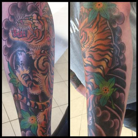 Deluxe tattoo tattoos traditional japanese tiger for Japanese tattoo chicago