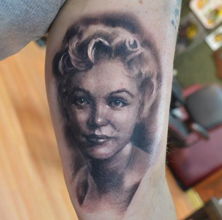 Tattoos - Young Marilyn portrait - 89207