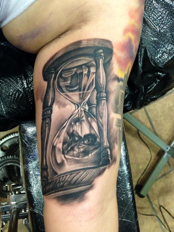 man trapped in hourglass by max egy tattoonow. Black Bedroom Furniture Sets. Home Design Ideas