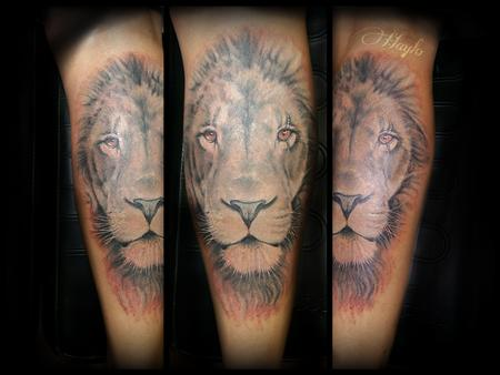 Haylo - Realistic Lion Head in Black and Gray, leg tattoo