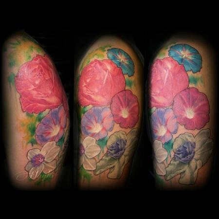 Realism Floral with Roses, morning glory, and jonquil with watercolor accents  Design Thumbnail