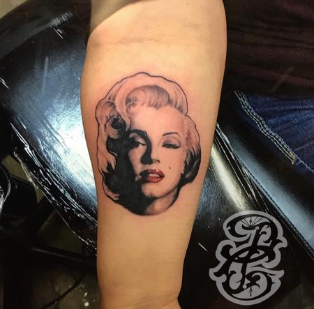 Marilyn Monroe Portrait Tattoo Thumbnail
