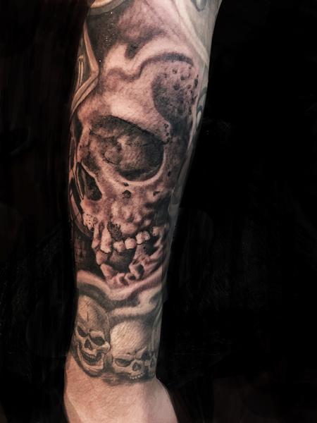 Luis Garcia - skulls