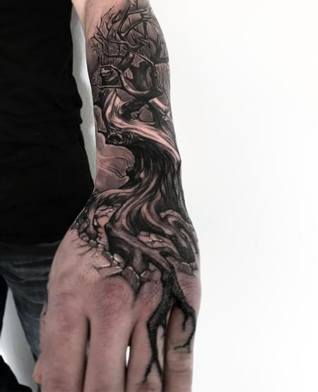Maximilian Rothert - Tree Tattoo