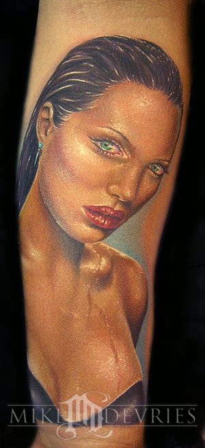 Tattoos - Angelina Jolie - 20053