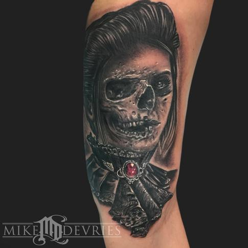 Mike DeVries - Skull Girl Tattoo