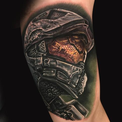 Mike DeVries - Halo Master Chief Tattoo