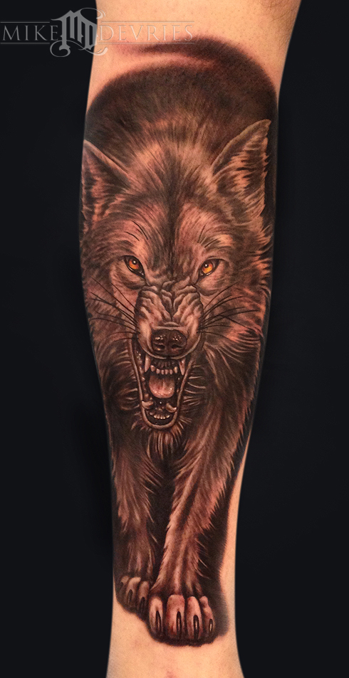 Mike DeVries - Wolf Tattoo