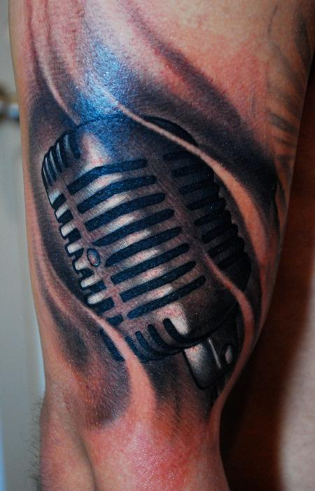 Mike Toth - Microphone