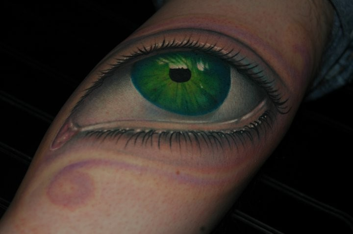 Mike Toth - Realistic Eyeball Tattoo