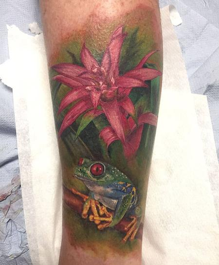 Tattoos - Color Flower and Frog - 124892