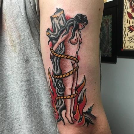 Tattoos - Bruja en Llamas a Color Estilo Tradicional - 130086