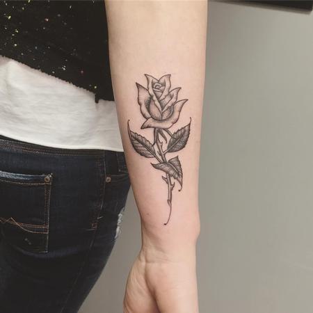 Tattoos - Rosa Fine Line en Negro - 131593