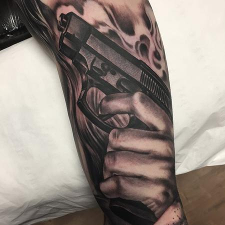 Tattoos - Hand/Gun black and grey - 132156