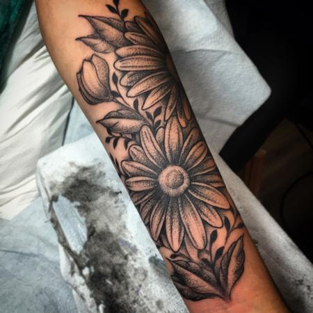 Nic LeBrun - Dotwork Daisy Tattoo