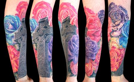 Tattoos - Celtic cross and roses - 100145