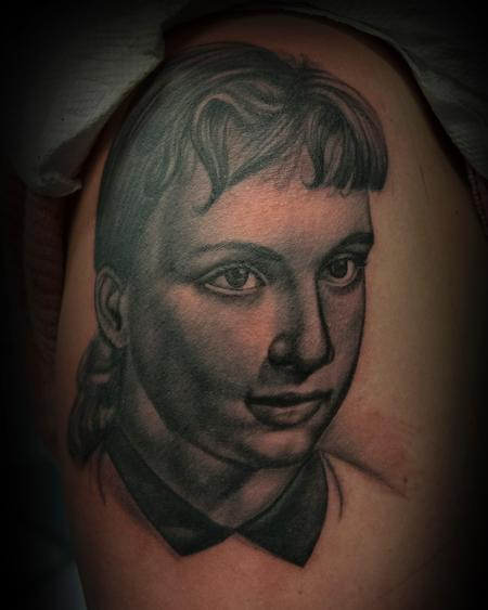 Tattoos - Portrait of young woman in the '50 - 125018