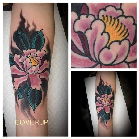 Tattoos - Flower coverup - 128074