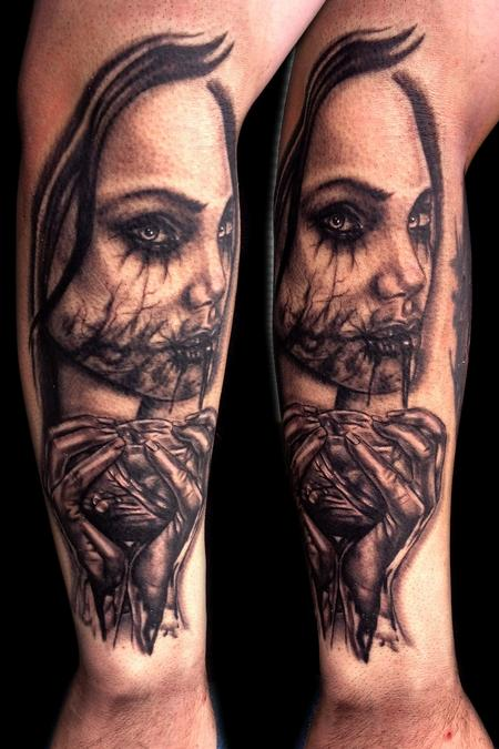 Tattoos - Bloody Heart - 91321