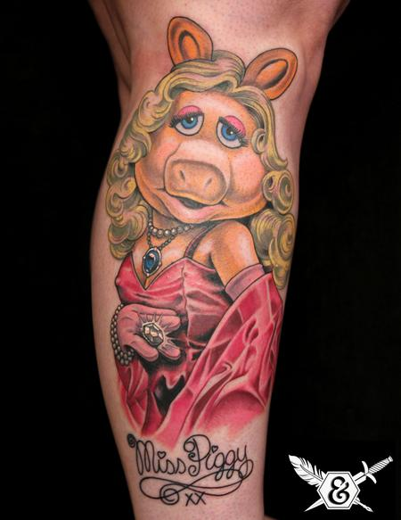 Tattoos - Miss Piggy - 70075