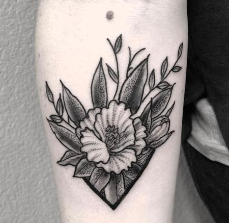 Blackwork Floral Tattoo Thumbnail