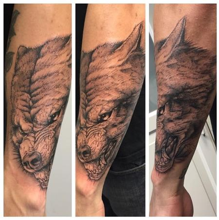 Adam Mir - Wolf Tattoo